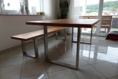 Tisch mit Bank