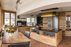 Massivholzküche aus Rüster/Ulme