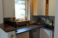 Küchenrenovierung mit neuer Zimmerdecke und Beleuchtung