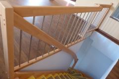 Nachträglich eingebaute Treppe in den Keller inklusive Brüstungsgeländer