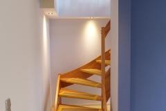 Nachträglich eingebaute Treppe in den Keller
