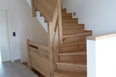 Treppenstufen auf Betontreppe inklusive Geländer aus Eiche 1